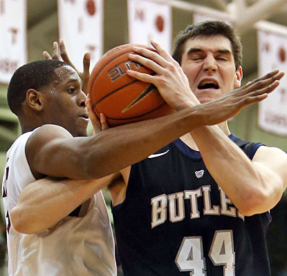 Andrew Smith returns to the Butler lineup with 12 points, including four key free throws late.  (US Presswire)