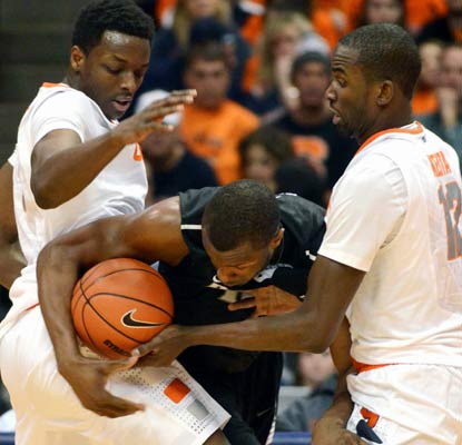 Syracuse hounds Providence all night in a 25-point blowout, its 38th straight win at home.  (AP)