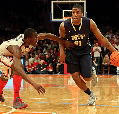 After what Lamar Patterson called 'a lot of hard practices,' the junior guard scores 11 points in Pitt's road win. (USATSI)