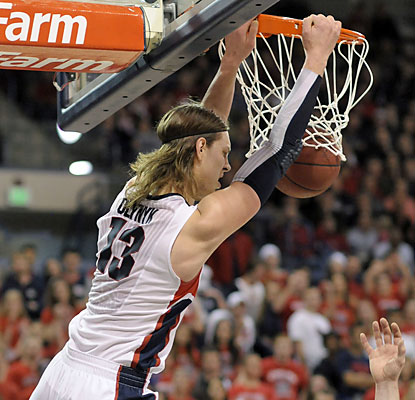 Zags junior forward Kelly Olynyk slams down 2 of his 15 points. He also finishes with 11 rebounds. (AP)