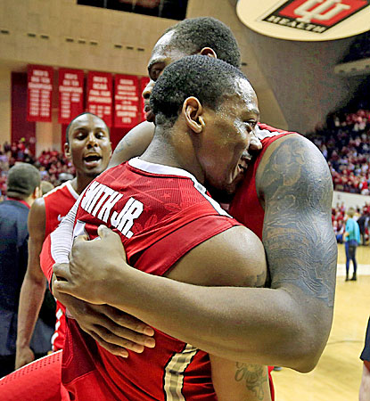 Ohio State's Deshaun Thomas celebrates with Lenzelle Smith Jr. following a 67-58 win over No. 2 Indiana. (AP)