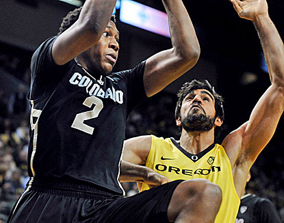 Xavier Johnson scores a career-high 22 points for Colorado, helping the Buffaloes complete a season-sweep of the Ducks. (Getty Images)