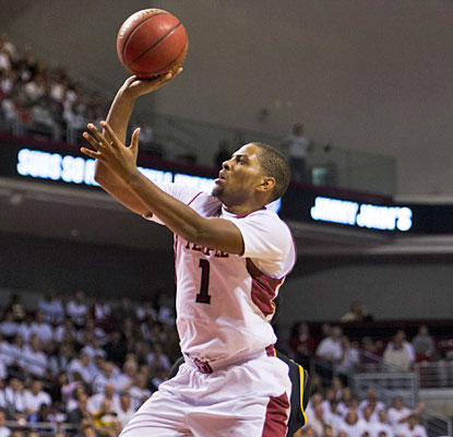 Khalif Wyatt helps Temple overcome an early 16-point deficit, pouring in 30 points for the Owls.  (USATSI)