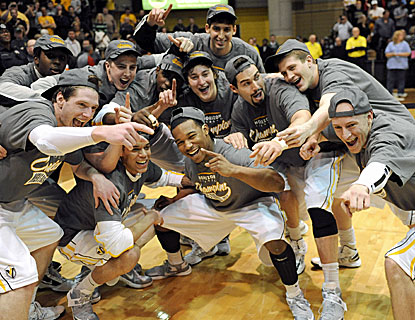 Valparaiso players celebrate their 62-54 win over Wright State for the Horizon League championship and an automatic NCAA bid. (AP)