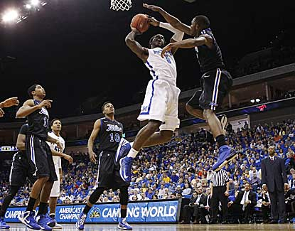 Memphis' Shaq Goodwin goes up for two of his 12 points as the Tigers top Tulsa and head to the C-USA title game. (AP)