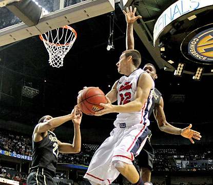 Marshall Henderson leads the way for Ole Miss with a 23-point effort against the Commodores. (Getty Images)