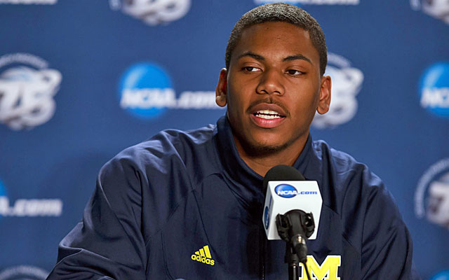 Glenn Robinson III will wait at least a year before following his father's foosteps into the NBA. (USATSI)