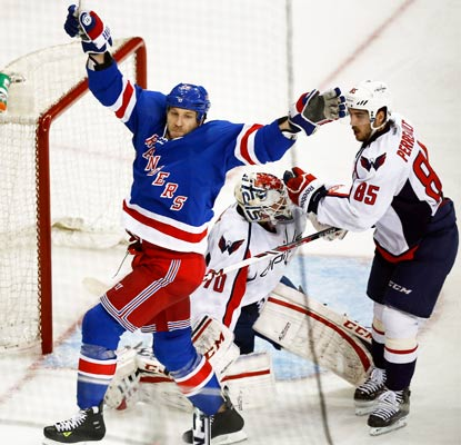 Ryane Clowe celebrates Carl Hagelin's (not pictured) goal as the Rangers win their second in a row over the Capitals.  (USATSI)