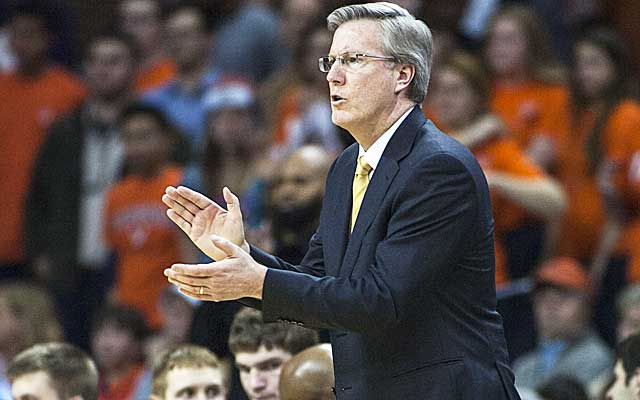 Fran McCaffery and Iowa face a tough test against the Wolverines. (USATSI)