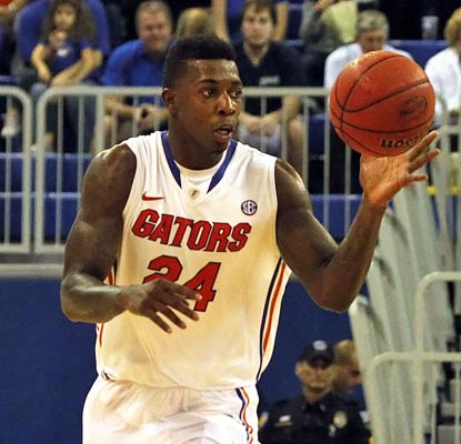 Casey Prather starts off with a career-high 28 points in a closer-than-expected win over North Florida.  (USATSI)