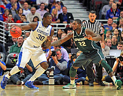 Julius Randle scores 23 of his game-high 27 points in the second half, but No. 1 Kentucky comes up short vs. the Spartans. (USATSI)