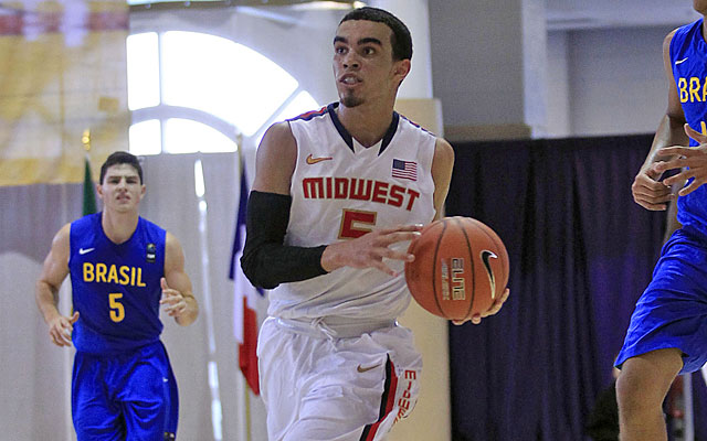Tyus Jones, one of the nation's best point guards, will have a top-notch big to work with in Durham. (USATSI)