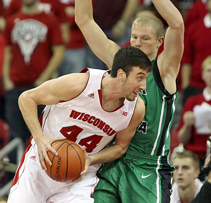 Frank Kaminsky scores 43 points to break Wisconsin's single-game record of 42 points, set in 1965 and again in 1994.  (USATSI)