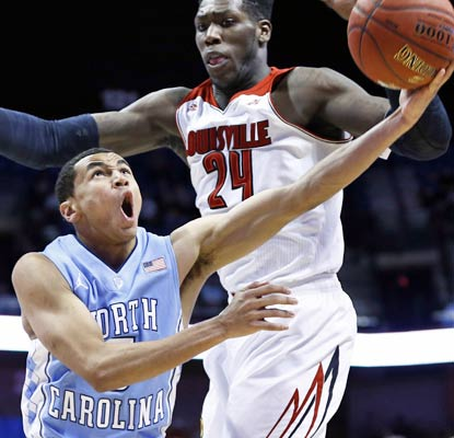 Marcus Paige comes up big for the Tar Heels with 32 points in the Hall of Fame Tipoff tournament final.  (USATSI)
