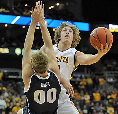 Ron Baker scores 23 points and finishes strong with six consecutive free throws to help Wichita State win the CBE Classic. (USATSI)