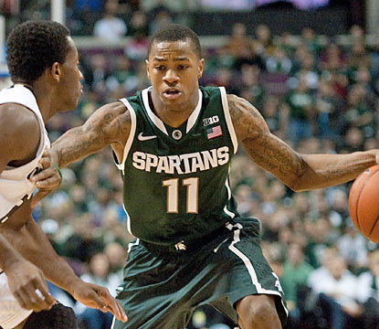 Keith Appling comes to life after the break, scoring 18 of his 21 points in the second half to help the Spartans edge Oakland. (USATSI)