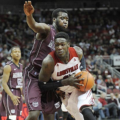 Montrezl Harrell, who leads all players with 17 points, drives past Missouri State's Emmanuel Addo during the second half.  (USATSI)