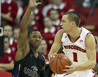 Ben Brust and No. 4 Wisconsin improve to 13-0 with an easy win over Prairie View A&M. (USATSI)