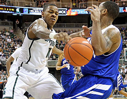 Keith Appling pours in a career-high 27 points as Michigan State rolls to a 53-point win over New Orleans. (USATSI)