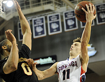 David Stockton has a season-high 21 points for Gonzaga, which begins WCC play with a win over Santa Clara. (USATSI)