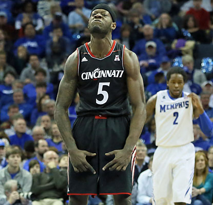 Bearcats forward Justin Jackson scores 13 points and hauls in a game-high eight rebounds. (USATSI)