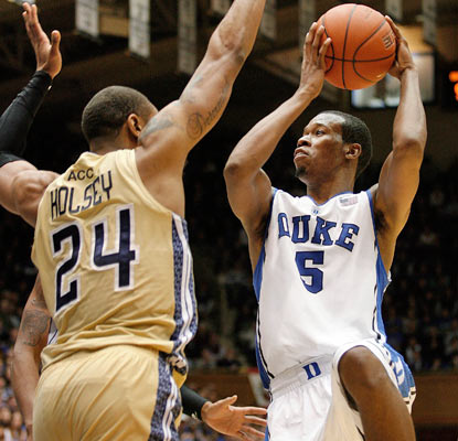 Duke's Rodney Hood scores 27 points -- 15 in the second half -- to steer the Blue Devils past the Yellow Jackets.  (USATSI)