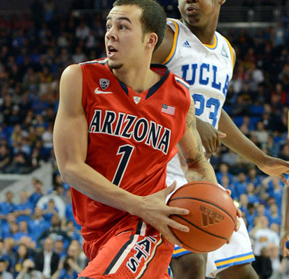 Arizona's Gabe York drives to the basket during the No. 1 Cats' win over UCLA. Zona moves to 16-0.  (USATSI)