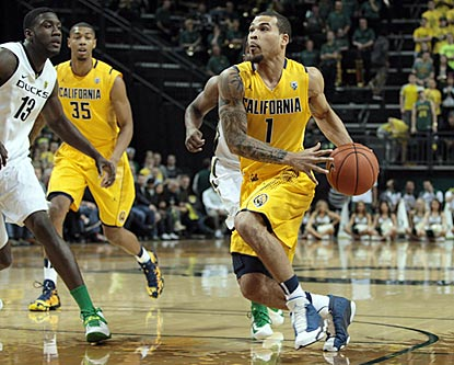 Justin Cobbs records 20 points and a game-high 11 assists for California, which wins in Eugene for the sixth consecutive time.  (USATSI)