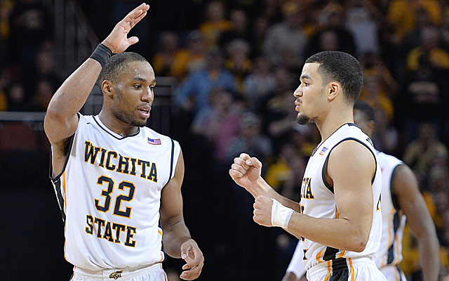 Tekele Cotton (32) and Fred VanVleet are two reasons why the Shockers are 16-0. (USATSI)