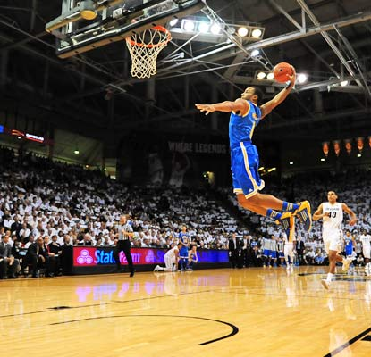 Norman Powell goes in for the easy dunk while scoring a season-high 19 points for No. 25 UCLA in Boulder.  (USATSI)