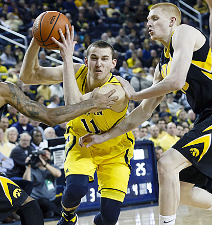 Michigan's Nik Stauskas comes up big against No. 10 Iowa, scoring 26 points in the Wolverines' win. (USATSI)