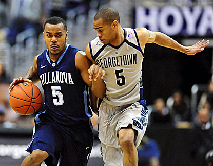 Villanova and Georgetown combine for 39 fouls and 34 turnovers, but the Wildcats hold on for the win. (USATSI)