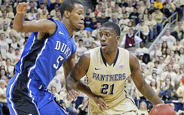 In addition to his stellar offense, Rodney Hood put the clamps on Pitt's Lamar Patterson. (USATSI)