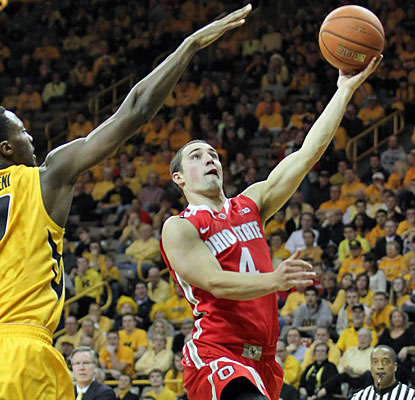 Aaron Craft hurts the Hawkeyes with 17 points, six assists and six steals to help the Buckeyes pull off the upset. (USATSI)