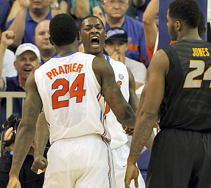 Dorian Finney-Smith, Casey Prather and the red-hot Gators pull out their 28th consecutive win at home. (USATSI)