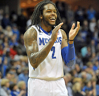 Shaq Goodwin chips in with 10 points as No. 24 Memphis comes up with a big win over visiting Gonzaga.  (USATSI)