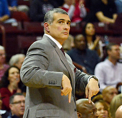 Much to Frank Martin's relief, his Gamecocks avoid a late collapse as they hold on to upset Kentucky. (USATSI)