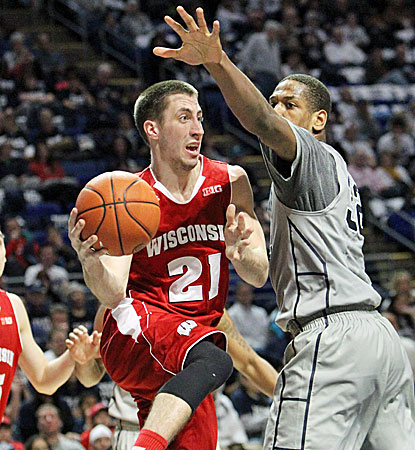 Josh Gasser (left) scores a team-high 15 points as the Badgers hold on to beat Penn State. (USATSI)