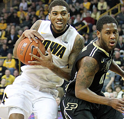 No. 20 Iowa knocks off Purdue to record consecutive 20-win seasons for the first time in eight years.  (USATSI)