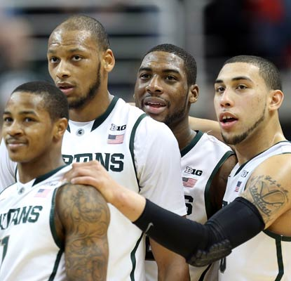 The Spartans shoot 58 percent from the field to break out of their slump against Iowa.  (USATSI)