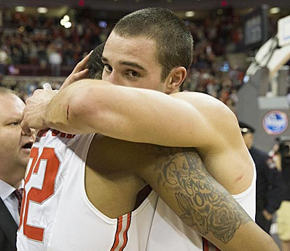 Buckeyes veterans Lenzelle Smith Jr. (left) and Aaron Craft go out winners on Senior Day in Columbus.  (USATSI)