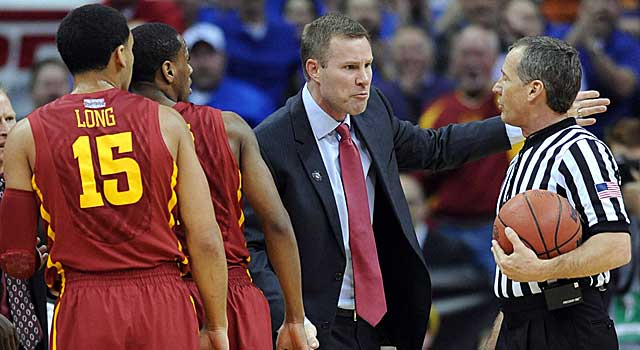 Fred Hoiberg has a few words for an official. He picked up the second 'T' of his life. (USATSI)