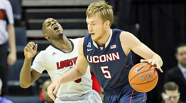 Follow LIVE: Louisville vs. UConn for AAC title