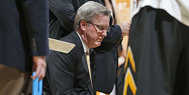 Fran McCaffery talks to his Iowa Hawkeyes during a timeout. (USATSI)