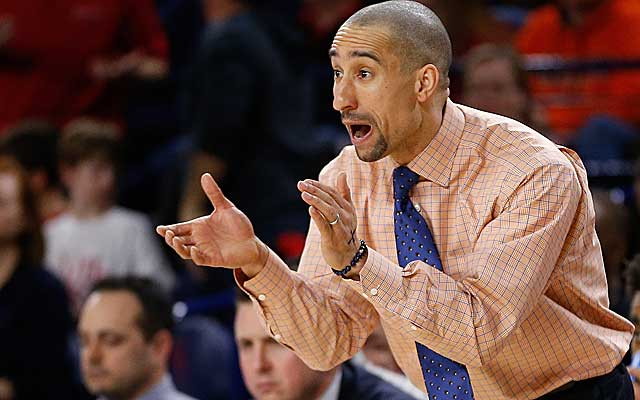 Shaka Smart has shown interest in the Texas job, but it's uncertain whether he will take it. (USATSI)