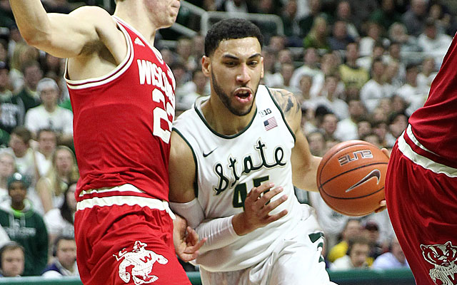 Denzel Valentine comes up big vs. Wisconsin with his 15th career double-double. (USATSI)
