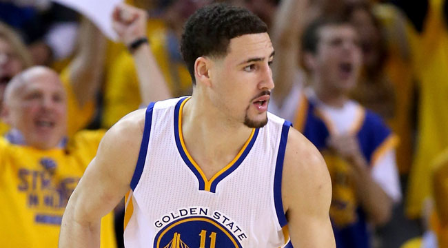 Warriors' Thompson takes Ariza knee to the head