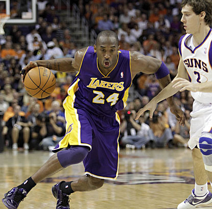 Kobe Bryant, as usual, makes his contribution with 25 points as the Lakers beat the Suns again. (AP)