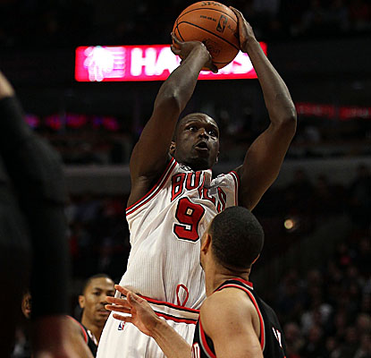 Luol Deng's 40 points come on 14-of-19 shooting from the field Monday at the United Center. (Getty Images)