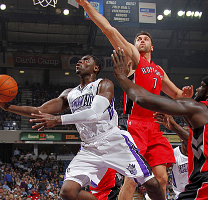 Tyreke Evans racks up a team-high 23 points, seven boards, five assists, two steals and one block. (Getty Images)